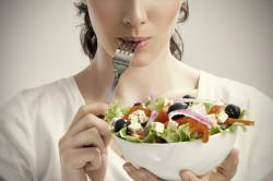Почему во время месячных болит желудок 25