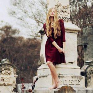 на кладбище с месячными